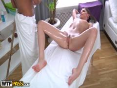 Use Sexy Body ass Massage Orgams Babe to get laid - HD Porn