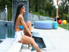Lisa Ann gets Fucking Slut Babeed Lustful at the pool - HD Braze