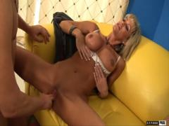 I Got To Fuck 2 Hot Blondes In Their Asses