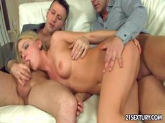 Blonde cock-hungry milf gets fucked threeway - porn HD free