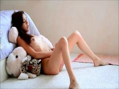 Young chick bitch loving masturbation than eating