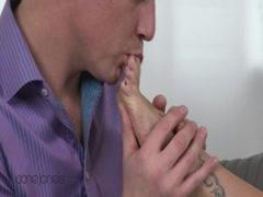 Skinny horny whore gets fucked untill orgasm